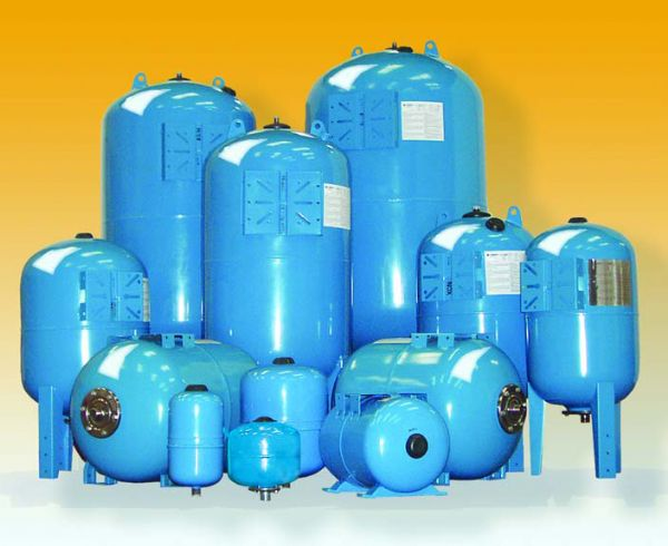 Lowara 300 Litre Horizontal Pressure Vessel (10 bar rated)